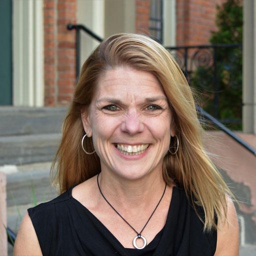 Image of Lori Petersen